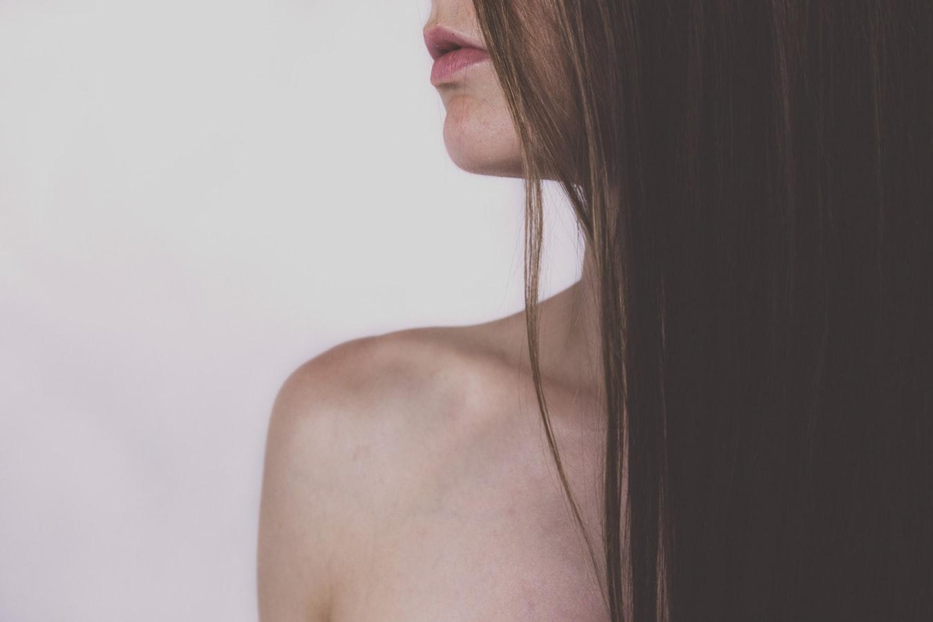 Tartós hajkiegyenesítés keratinnal